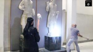 ISIL-ruining-mosul-museum